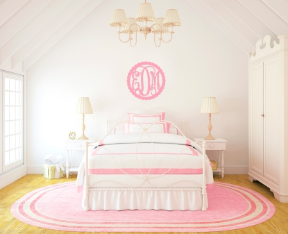 girls-bedroom-scallop-monogram